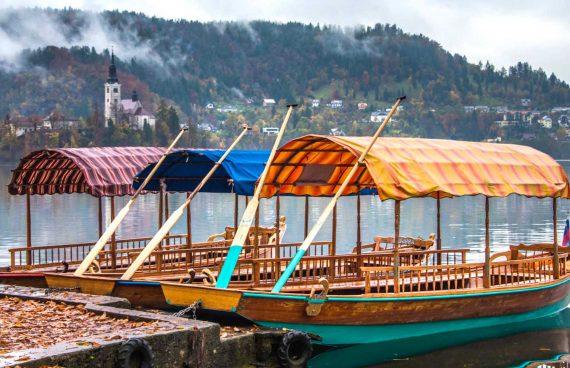 Pletna, barca típica de Eslovenia